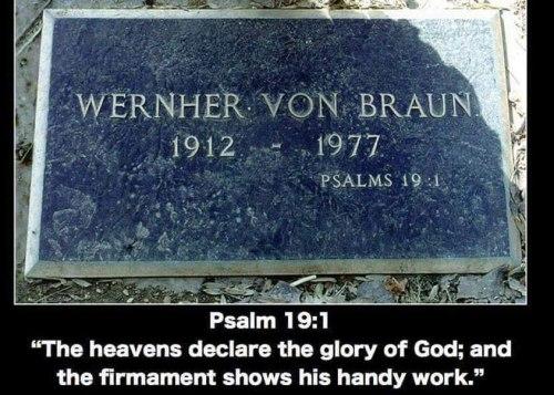 Werner-von-Braun-grav-med-tekst